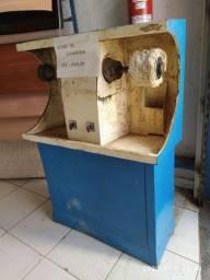 Máquina de acabamento