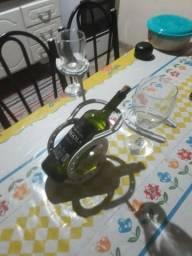 suporte para vinho e taça
