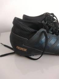 Chuteira Adidas original sem uso 95,00