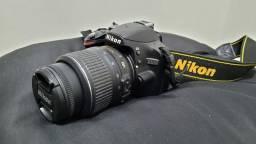 Câmera Nikon D3200 + Lente, MENOS DE 3 MIL CLIQUES!