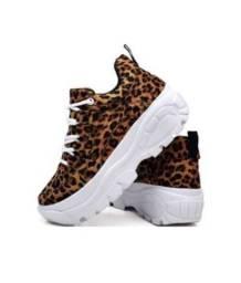 Sneaker animal print