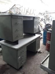 Escrivaninha de ferro antiga anos 60