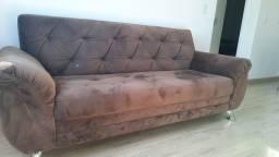 Sofa confortável semi-novo