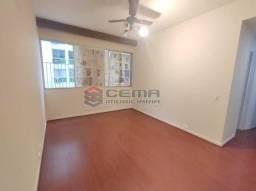 Excepcional Apartamento 2 quartos com suíte e vaga em Laranjeiras