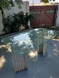 Mesa de jantar em mármore branco