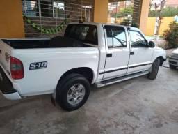 S10 2002 2.4 D . Gasolina /GNV