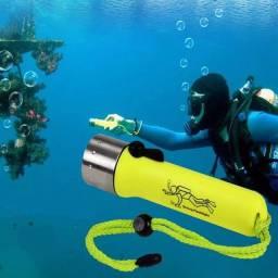 Lanterna mergulho prova dagua
