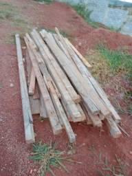 madeiras usadas para bater laje. OBS: estão na cidade de Igarapé (MG) à 55 km de BH
