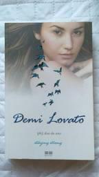 Livro staying strong 365 dias do ano demi lovato