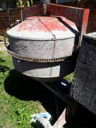 Vendo betoneira Menegotti