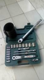 Caixa de ferramentas e acessórios