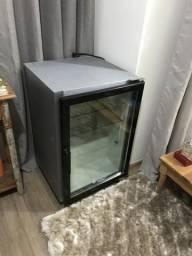 Geladeira/ frigobar Metalfrio frostfree