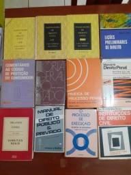 66 livros de Direito Ótimo Preço