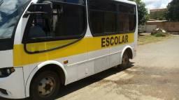 Vendo ou troco Micro ônibus bem conservado em van. 39.900