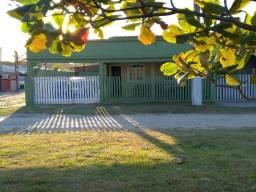 Alugo casa em Matinhos a 1 quadra da praia