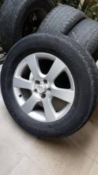 Jogo de roda aro 18 com pneus