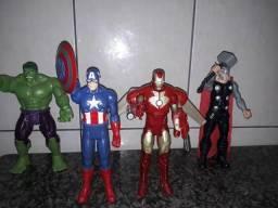 Brinquedos dos Vingadores