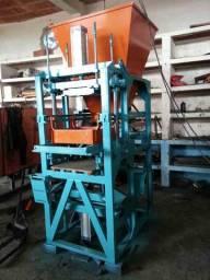 Máquina Pneumática de fazer bloco de cimento mod: P1000 Pneumática ( nova )