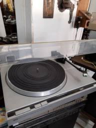 Toca disco prato CCE Directo sem correia funcionando com um LP de brinde