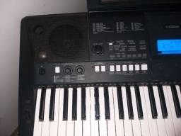 Teclado electronico Yamaha P5R e423 + suporte