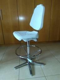 Cadeira Alta para Bancadas e Balcões