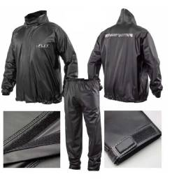 Conjunto motociclista preto impermeável (capa de chuva)