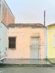 Vende - se uma casa em Ubatâ Bahia