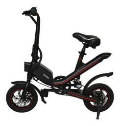 Bicicleta elétrica preta