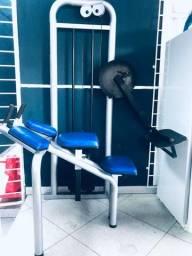 Máquina de glúteo musculação