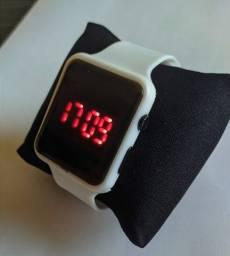 Título do anúncio: Relógio led digital