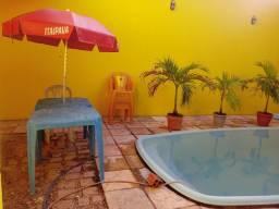 Casa duplex com piscina. Avenida litorânea