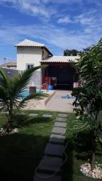 Bela casa com piscina e 3 qrts perto da praia
