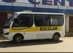 Micro-ônibus muito bem conservado. Ano 2006 - 2006