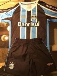 Uniforme oficial do Grêmio. Infantil. TAM 8