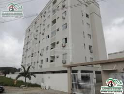 Apartamento no último andar, móveis embutidos, boa localização central