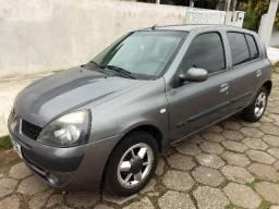 Renault Clio Authentique 1.0 - 2005