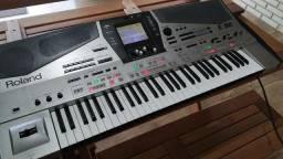 Teclado Roland E-80
