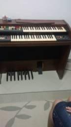 Conserto de òrgão e piano eletrônico