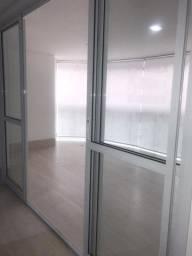 3 portas em aluminio branco