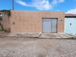 Vendo e troco essa casa localizada no Bairro Senador Arnon de Melo