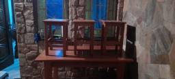 Mesa reforçado de madeira