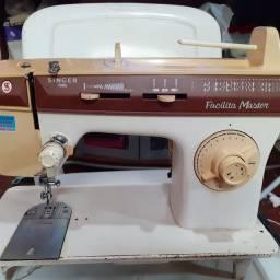 Maquina de costura singer facilita máster 127v