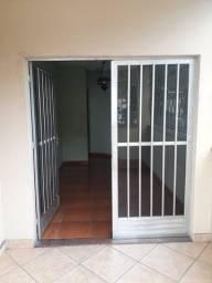 Apartamento no Bairro cerâmica com 2 quartos, ampla cozinha, área de serviços