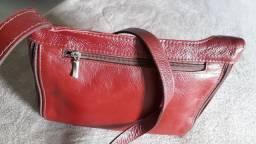 BOLSA esporte fino em couro legítimo na cor vermelho Bordô