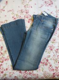 Calça jeans flare marca TOLI