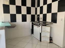 Título do anúncio: Aluguel de casa 1/4 e sala em Itapuã