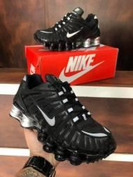 Tênis Nike Shox 12 Molas - 280,00