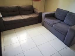 Sofá grande e um pequeno usado