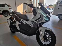 Honda ADV 150 21/21 tirada em Goiânia