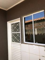 Alugo casa em Águas Lindas R$ 500,00